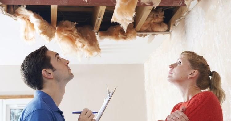 Versteckte Mängel an einer Immobilie: Wer muss für die Mängel aufkommen?
